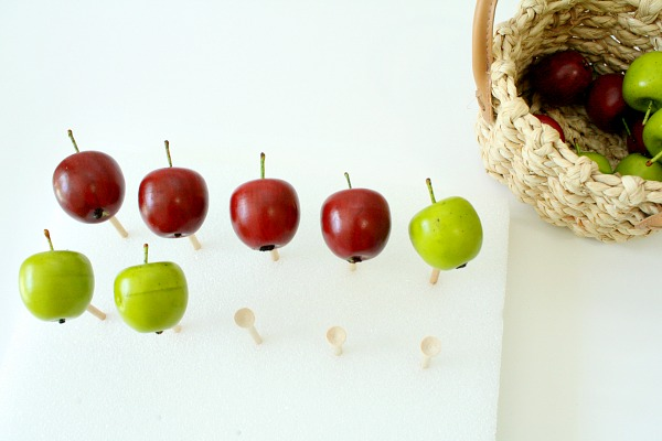 Practice-addition-with-ten-frame-apple-fine-motor-play-and-free-printable-task-cards